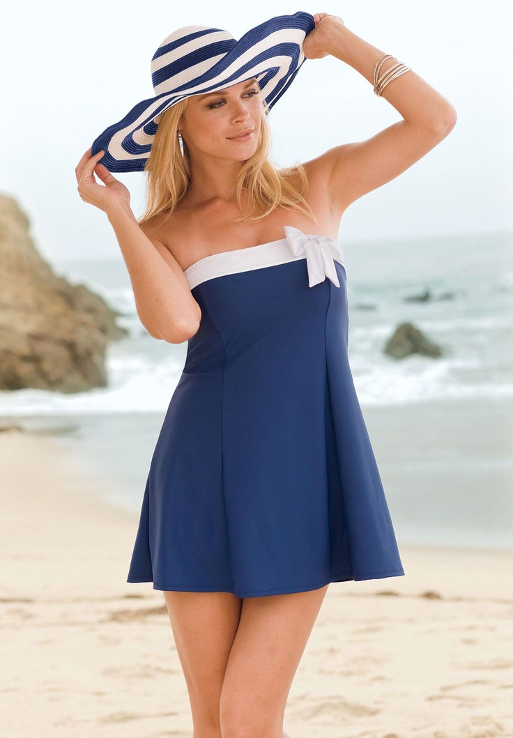 """7 Dresses to Wear to a Beach Wedding. Pinterest. More. View All Start Slideshow. If you're dressing to impress at the next seaside wedding, scoop up one of these pretty picks. Start Slideshow paydayloansboise.gq 1 of 8. Pinterest. More. MUSE Cold Shoulder Shift Dress When you're headed to an island locale, say """"I do"""" to this breezy shift."""