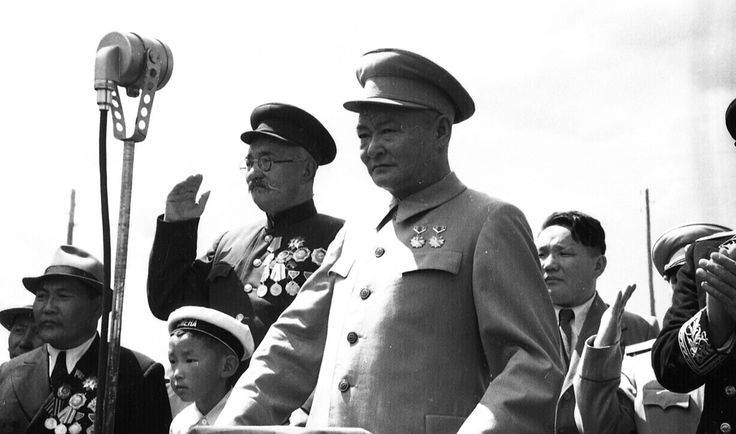 Festivities - Celebration of the 29th anniversary of the People's revolution in Ulaanbaatar [1948]. Bumtsend ( in glasses), Choibalsan: Behind, tssedenbal.
