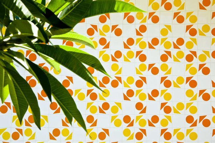 Athos Bulcao. Painel de azulejos, Residência particular, 2001. Brasília – DF, Foto Edgar César Filho