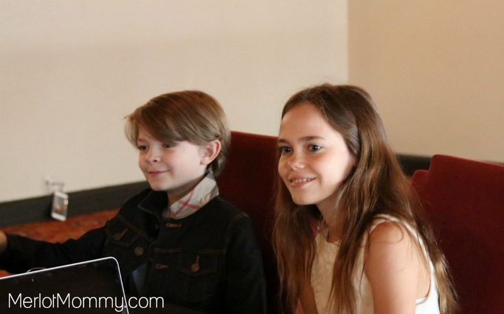 Oakes Fegley and Oona Laurence Interview - Pete's Dragon