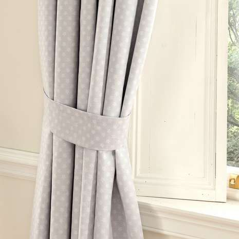 Disney Dumbo Nursery Blackout Pencil Pleat Curtains | Dunelm