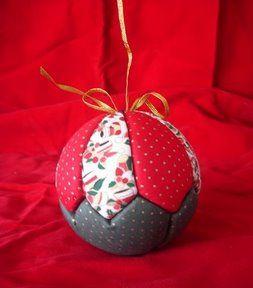 Adornos de navidad en tela con bolas de tergopol...