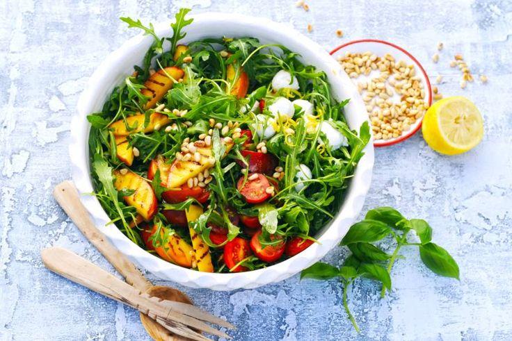 10 juni - Nectarines in de bonus - Als je groenten grilt, krijgen ze extra veel smaak, én het ziet er overheerlijk uit - Recept - Allerhande