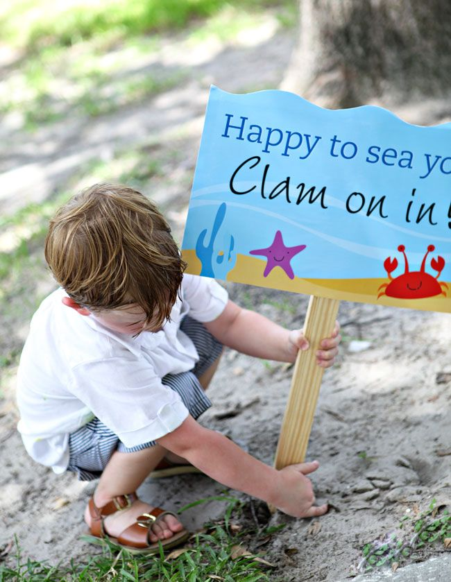"""""""Happy to see you, clam on in"""" sign for beach theme party: Party Signs, Birthday Parties, Sea Birthday, 1St Birthday, Party Ideas, Birthday Ideas, Birthday Party"""