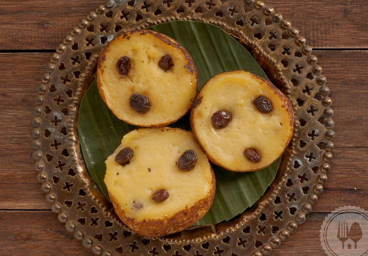 KUE LUMPUR. Classic and popular moist cake with raisin on top