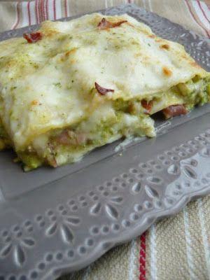 la pancia del lupo: Lasagne con pesto di zucchine speck e scamorza