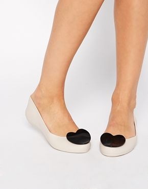 I'm now the proud owner of these Mel By Melissa Pop Heart Ivory Flats
