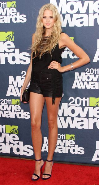 Actress gabriella wilde, 5'9''