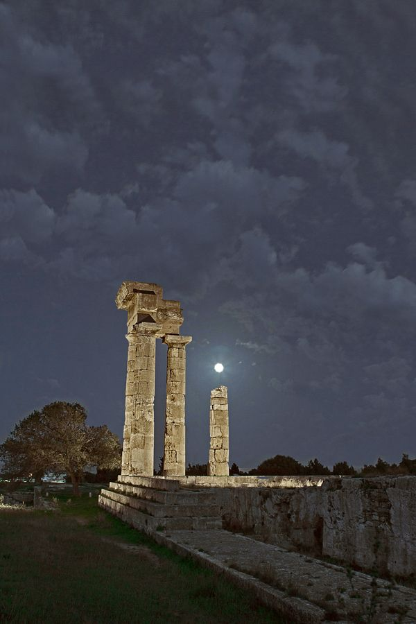 Monte Smith,Acpropolis of Rhodos Greece by Dimitris Koskinas, via 500px