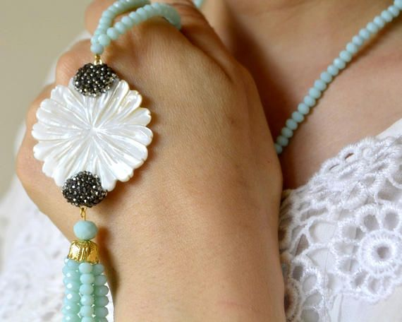 white mother of pearl gemstone beads blue beads glass beads