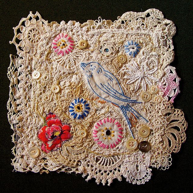Lovely embroidered and appliqued flowersWall Hangings, Include Crochet, Happy Wall, Mixed Art, Reconstruction Vintage, Crochet Lace, Fiber Art, Embroidery Art, Hands Art