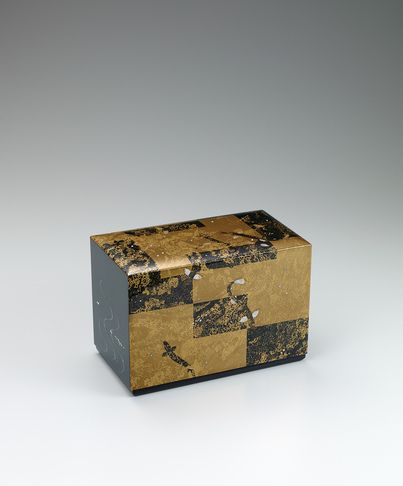 蒔絵箱「魚影」