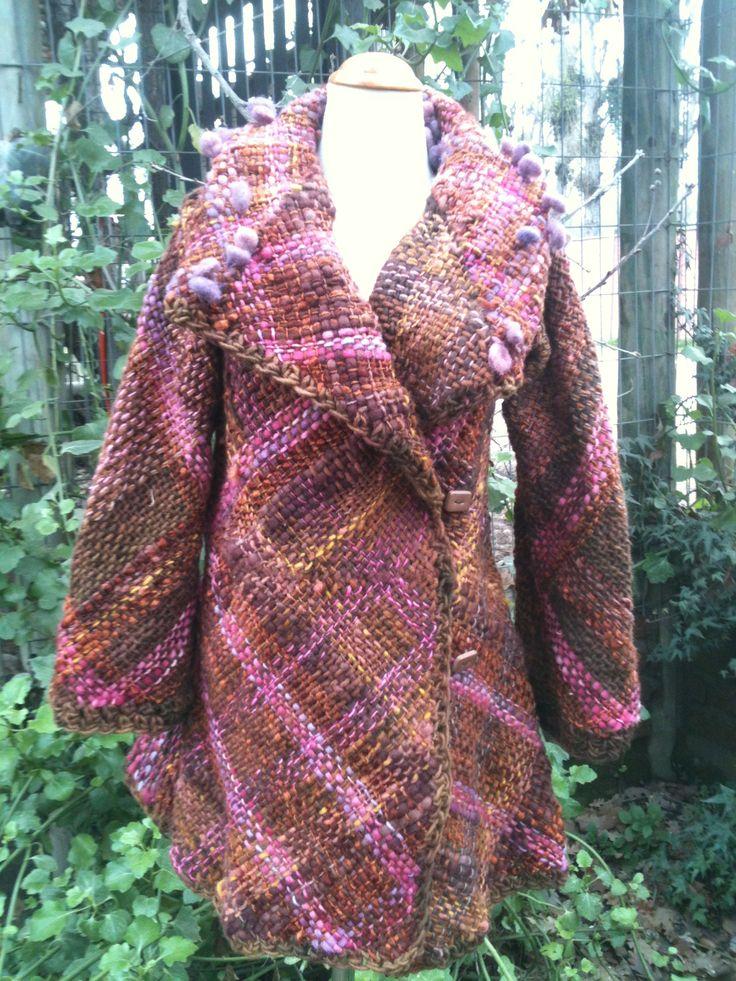 Chaquetón de lana natural y sedificada! A telar bastidor! $80.000 www.cristialmazan.com Facebook: Fieltros Cristi Almazán