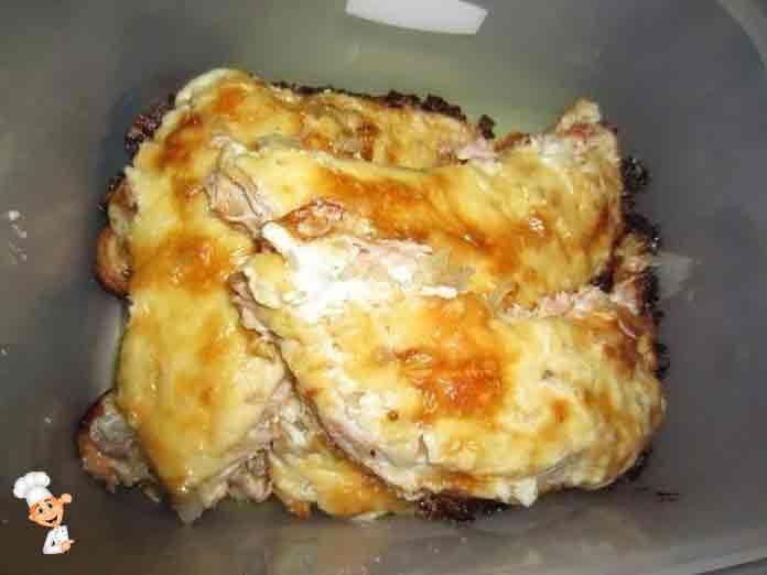 Филе форели запеченная в духовке чудесное порционное блюдо - очень вкусное и полезное блюдо.Его сможет приготовить каждая хозяйка, имея несколько ингредиентов,