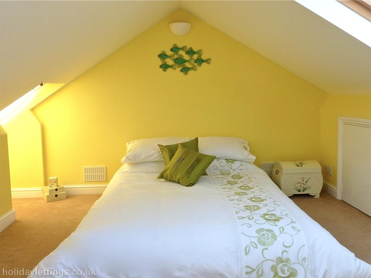 3 bedroom cottage in Weymouth to rent from £306 pw. With TV and DVD.