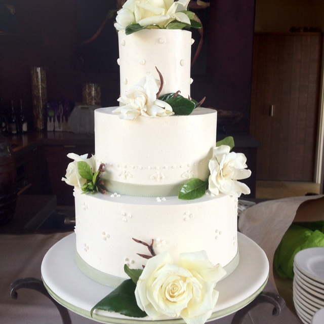 Buttercream and chocolate twigs