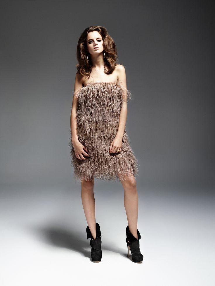 pióra, sukienka z piór, dress, feathers www.joannawodzinska.pl