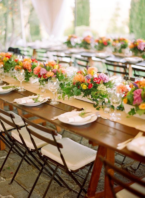 obsessed with long tables for weddings!
