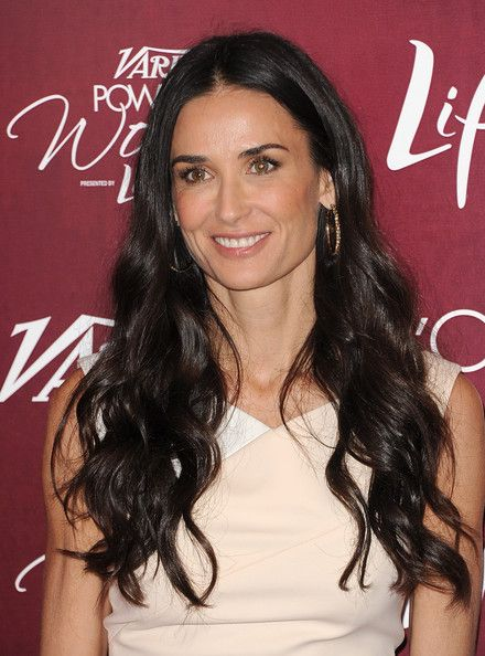 Demi Moore Long Curls - Demi Moore wore her dark locks in long curls for the Power of Women Luncheon.