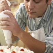 How to Decorate a Cake with Whipped Cream Icing   eHow