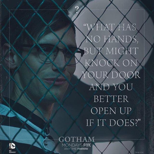 He's still telling riddles even in Arkham Asylum. #Gothamgothamonfox