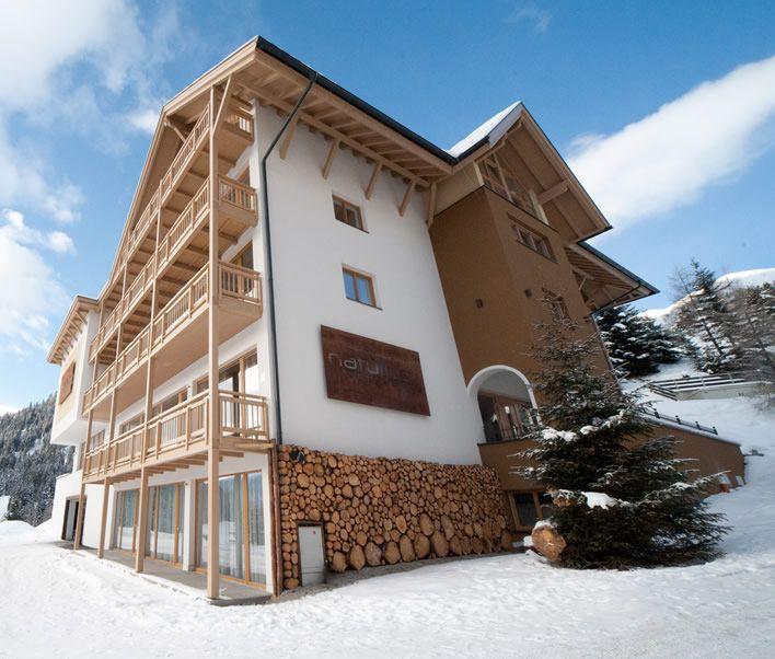 Fiss-Tirol- nieuw wellness hotel. Groot maar mooi en ook speciaal ingericht op kinderen. www.natuerlich-fi...