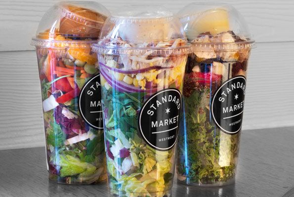 5-Minute Meal: Grab-and-Go Mason Jar Salad : Make the night before, bring to work for an easy lunch the next day. Done. #SelfMagazine