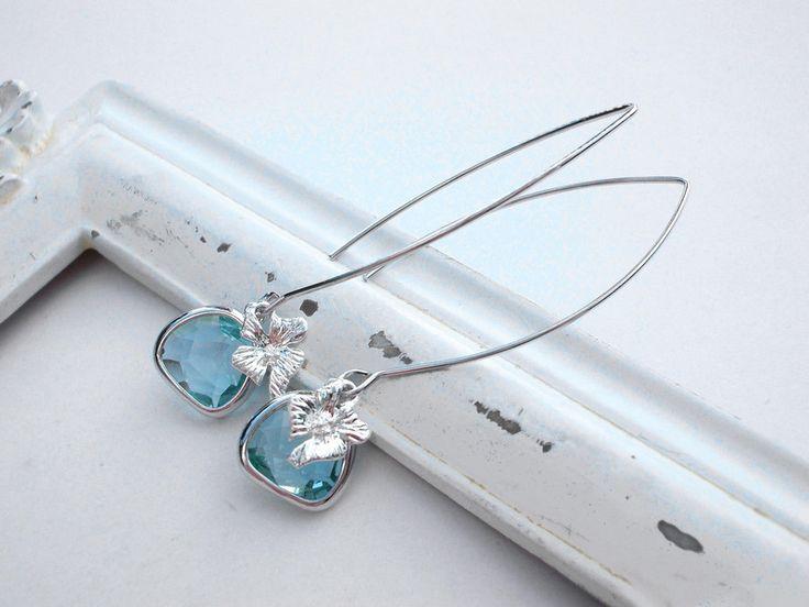 """Versilberte Ohrringe - Ohrhänger versilbert """"Regenblüten"""" hellblau - ein Designerstück von kirschrot-schmuckdesign bei DaWanda"""