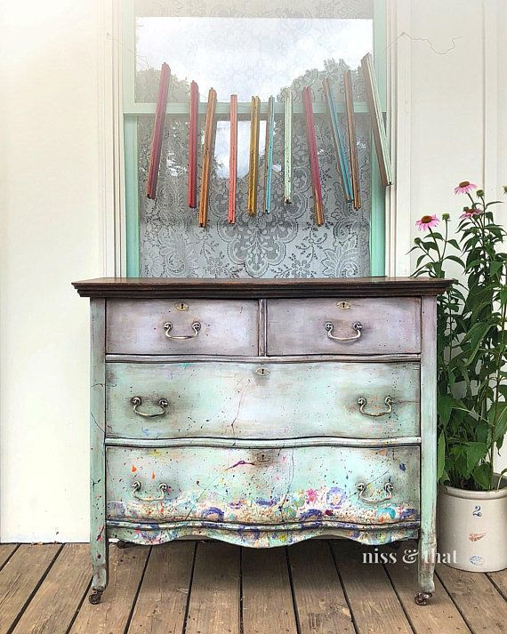 Paint Splatter And Decoupage For A Little Fun On This Small Dresser Hand Painted In Diy Debis Design Diary C Shabby Chic Furniture Furniture Painted Furniture