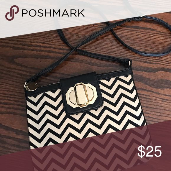 Black and cream Chevron purse Black and cream at Chevron purse with big gold buckle Deux Lux Bags Crossbody Bags