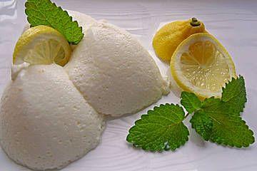 Buttermilch - Zitronenmousse (Rezept mit Bild) von mausejulchen | Chefkoch.de