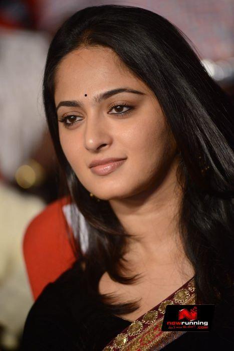 Actress Anushka Shetty New Stills