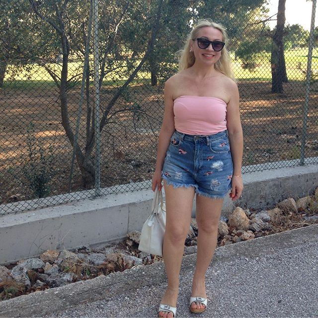 #Pink #highlights #pinkpanther #denim #shorts ✌🏻️ — Vicky's Style