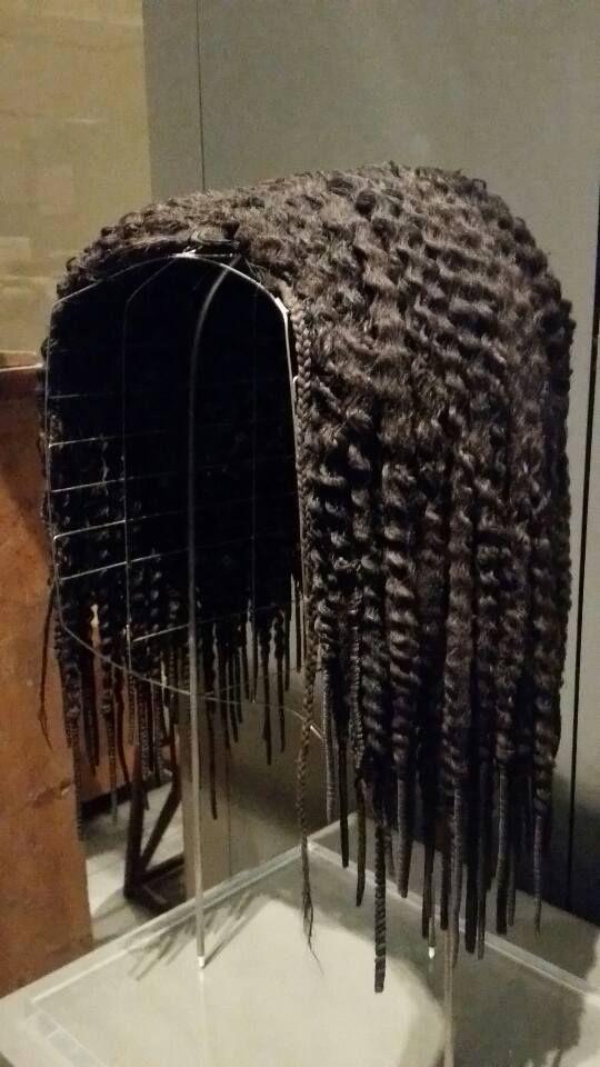 Questi capelli hanno 3400 anni ! Si tratta di una parrucca ...