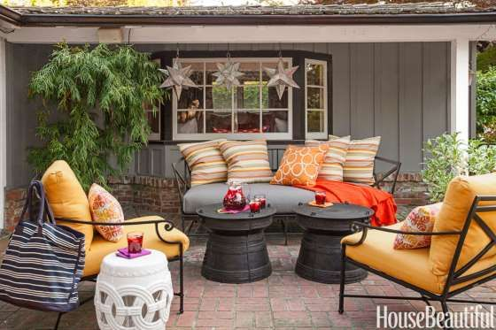 On the patio of a Menlo Park, California, house designed by Matthew Leverone, the slate-blue tones o... - Lisa Romerein