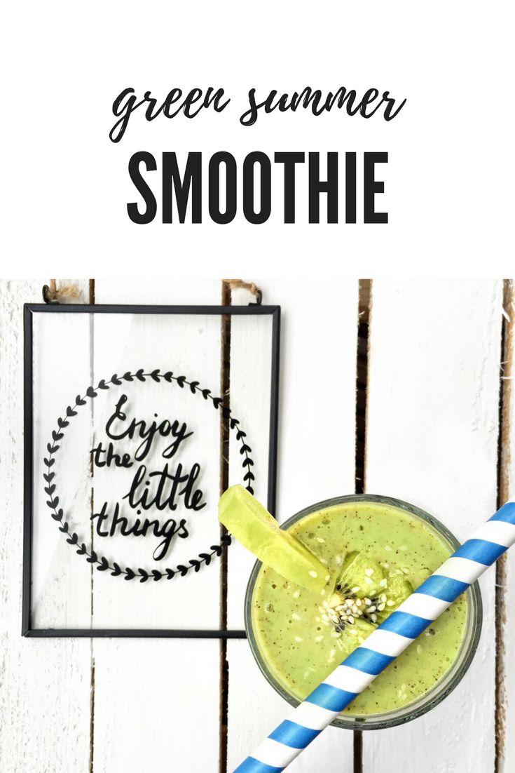 Simply vegan green summer smoothie  Find more vegan recipes on www.romylondonuk.com