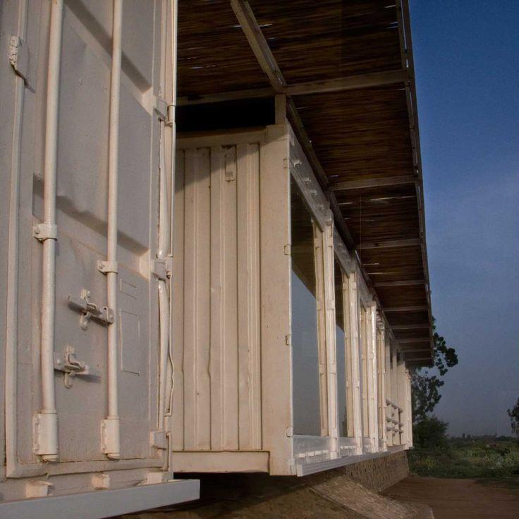 studio tamassociati · Container Medical Compound for Salam Centre · Divisare