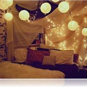 Romantic Hipster Bedroom For Teen Girl With White Fur Blanket And Beautiful  Paper Lanterns Lamp