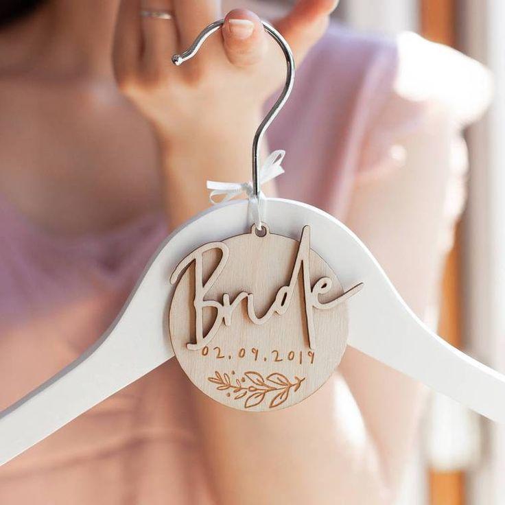 Hanger Charm In 2020 Braut Kleiderbugel Geschenke Fur Die Braut