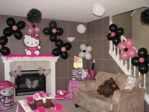 Love the flower balloons
