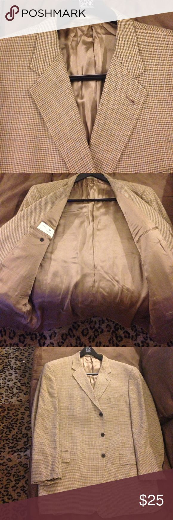 Joseph Abboud Tan & Blue Check Blazer 48L Long Joseph Abboud Tan, Gold, Blue and Brown Houndstooth Check Sport Coat Blazer size 48L Long, 3 Button and no vents! Great condition! Please make REASONABLE offers and Bundle! Ask questions :) Joseph Abboud Suits & Blazers Sport Coats & Blazers