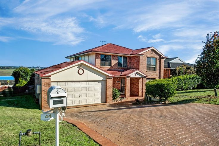 44 wilton drive east maitland NSW 2323