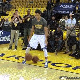 Steph Curry Dribbling Two Basketballs - www.gifsec.com