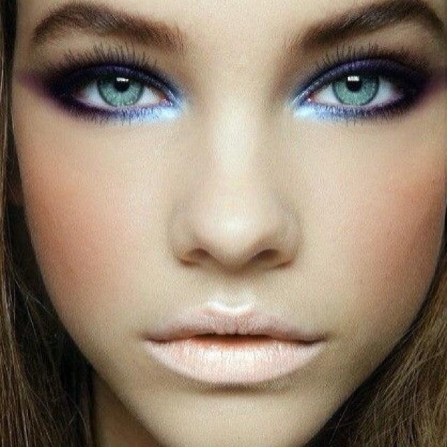 Blue eyeshadow Bridal Makeup Pinterest Eyeshadow ...