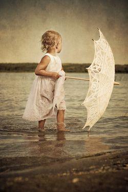 .: At The Beaches, Little Girls Photography, Photos Ideas, Summer Memories, Lace Umbrellas, Kids Photos, Children, Beaches Session, Photography Ideas