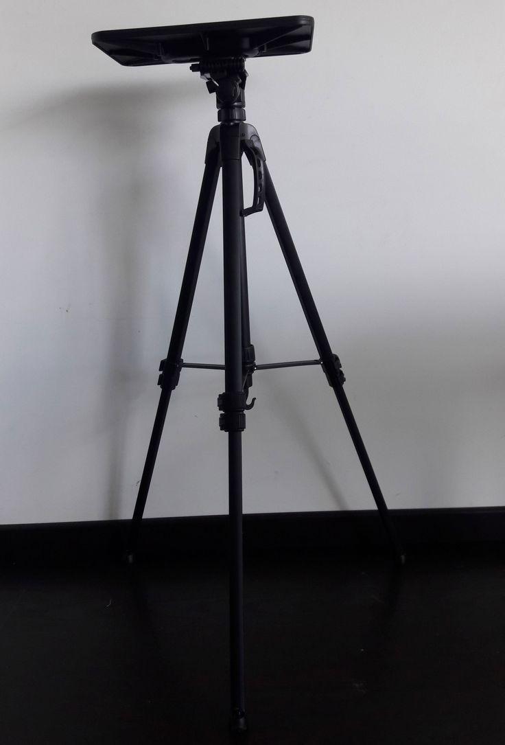 Base tripode para proyector
