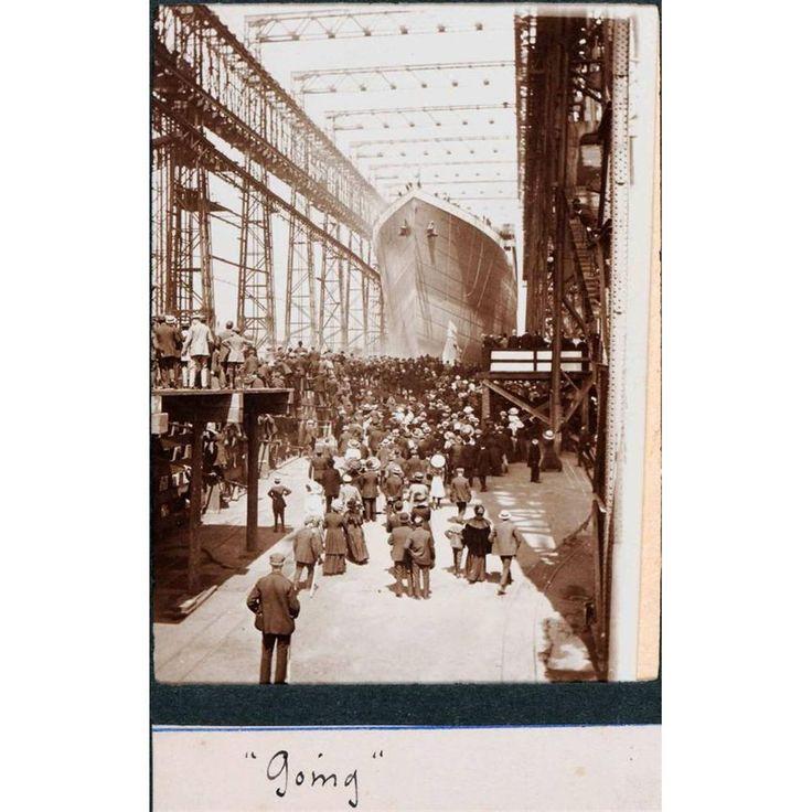 istoricheskie_foto                        Спуск на воду трансатлантического лайнера Титаник. Белфаст. Северная Ирландия. 31 мая 1911г.