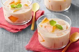 Cremoso flan de mango de dos leches