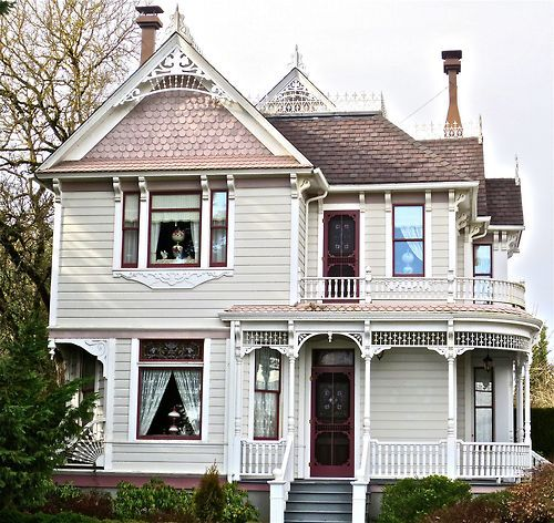 17 Best Images About Victorian Home On Pinterest Queen