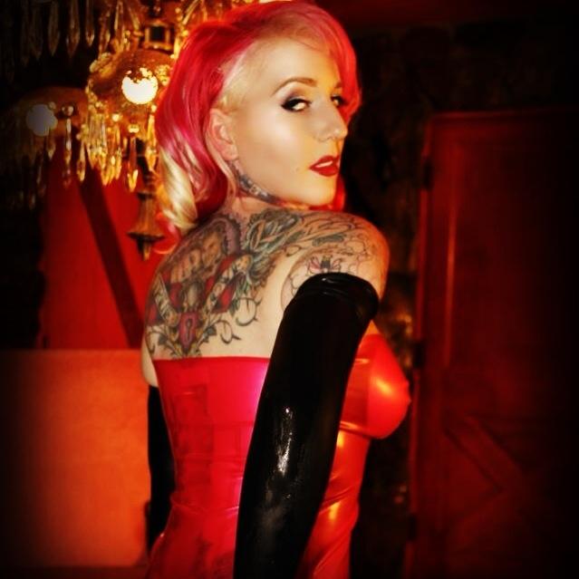 Photo by: Jellyfish Jones photos MUA by: Christina Miliusis  Latex: Lust Designs #jellyfishjones #latex #tattoos #tattooed # tattooedblonde #hotblonde #latexlove #pinup #pinups